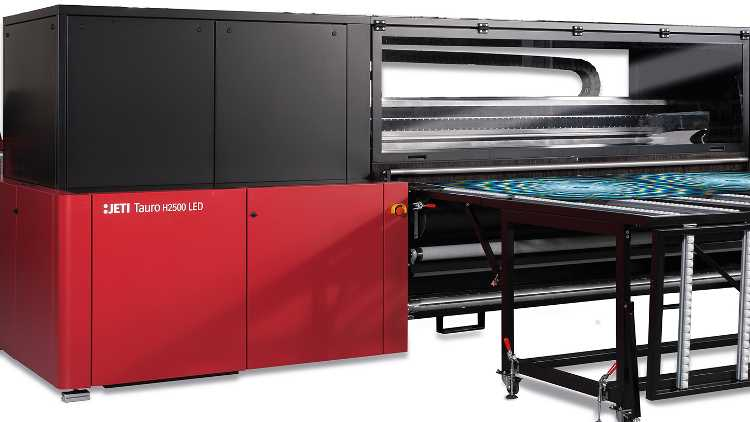 The Jeti Tauro LED is a 100 inch (2.5m) -wide hybrid UV-inkjet printer with an integrated roll-to-roll system that is built for demanding 24/7 workloads.