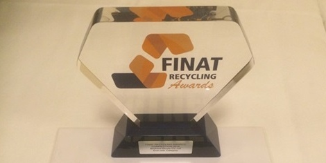 Brothers Drinks has won the 2016 FINAT End-user Recycling Award for its involvement in a PET liner recycling programme, set up by Avery Dennison and PET UK.