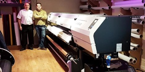 GPMI Reprocentre's Bill Forde (left) with Sign Script's Brendan Nugent (right) with the newly installed Mimaki UJV55-320
