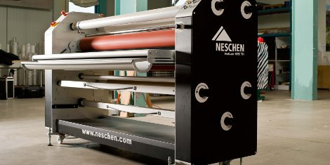 Atech decided on the NESCHEN HotLam 1650 TH which processes twelve metres of laminate in a record time of one minute.