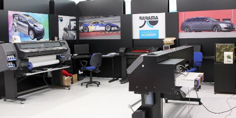 The Ritrama Graphics Academy has been created both as an R&D centre dedicated to product and application tests and a visitor centre for customers and distributors to experience first hand Ritrama's self-adhesive filmic applications.