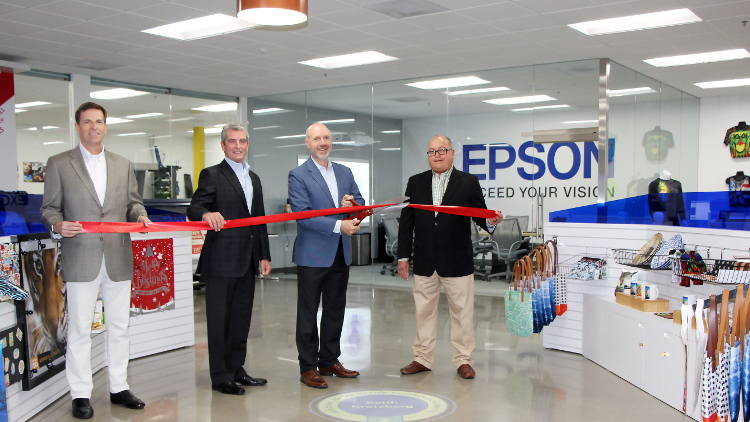 Southern California Technology Center Offers Customers and Dealers Hands-on Experience with the Latest Epson Professional Imaging Technology.