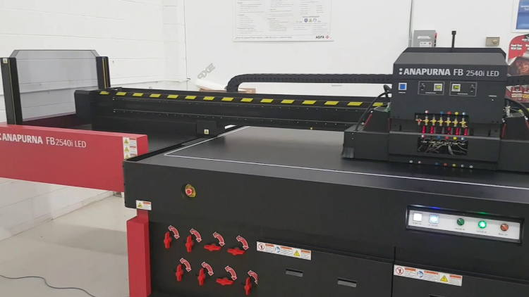 Flatbed and hybrid UV-LED Anapurnas to demo different approaches to high-quality, highly productive printing.