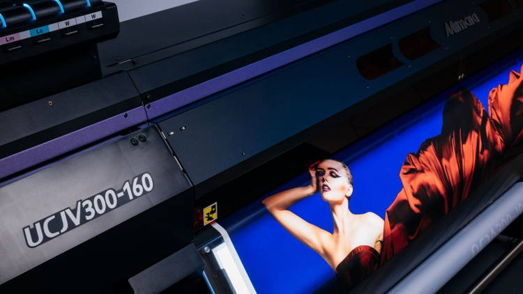 Hybrid will be showing models from the Mimaki UCJV Series LED UV printer/cutters.