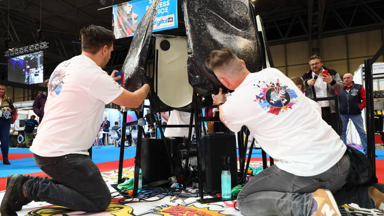 HEXIS UK Wrap Battle returns to Sign & Digital UK 2020 show.