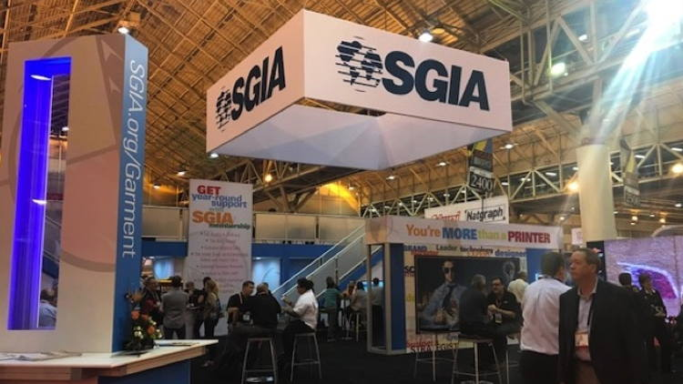 Over 24,000 head to 2018 SGIA Expo for innovation, interaction and inspiration.