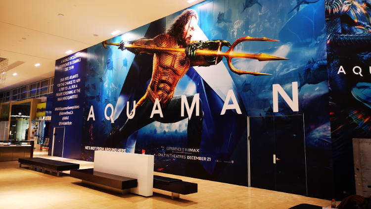 Drytac ReTac Smooth 150 has been used to produce super-sized Aquaman movie promotional hoarding at the Yorkdale Shopping Centre in Toronto.