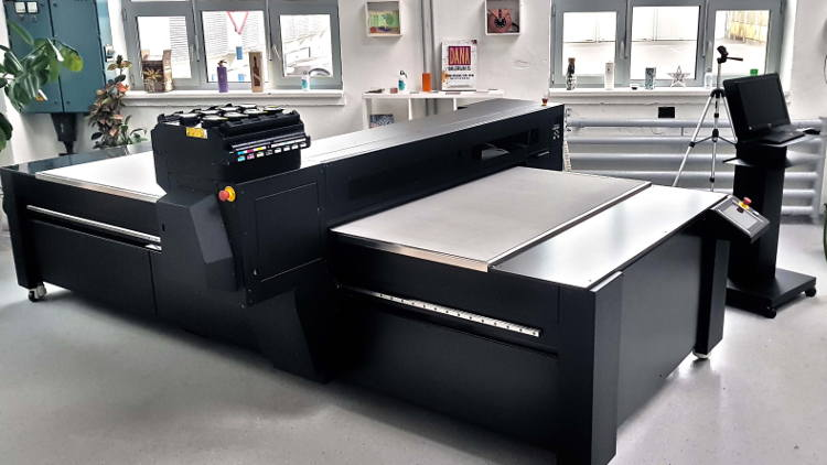 Azon Matrix R industrial platform now with Ricoh Gen5 print heads for more productivity.
