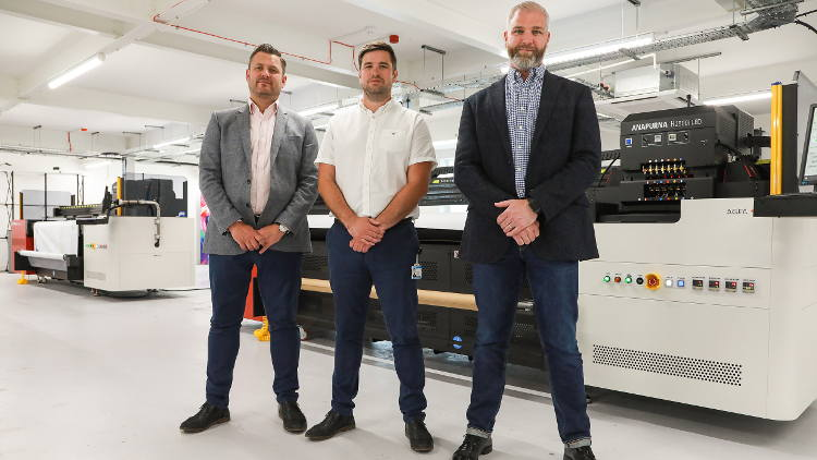 Solopress has become the latest new customer for Agfa UK, investing in two new Agfa Anapurna hybrid UV LED printers.