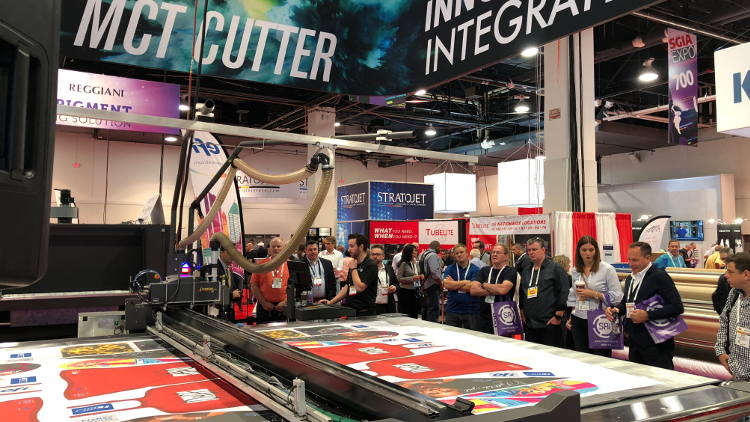 Gerber Technology Completes Its First Two Exhibitions with the Gerber MCT Cutter at SGIA 2018 Las Vegas and Viscom Italy 2018 in Milan.