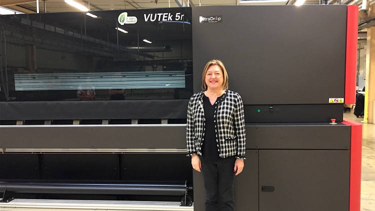 BS2i Chooses the EFI VUTEk 5r+ LED Printer to Give Customers High-end Graphics with Superior Technology.