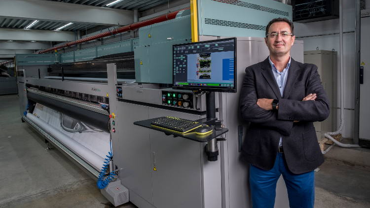 Fujifilm Acuity Ultra superwide investment supercharges one of Spain's biggest wide format print providers.