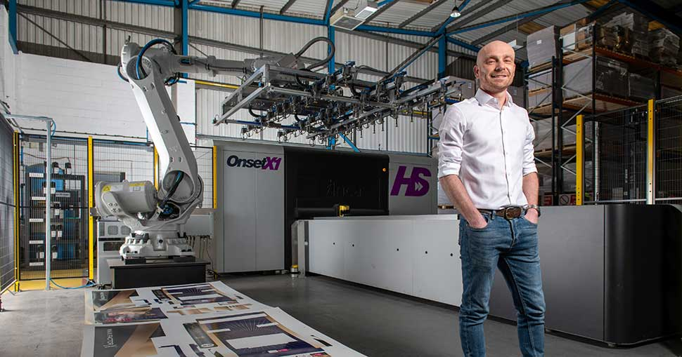 UK retail and shopper marketing agency upgrades from Onset X1 to the automated Onset X1 HS solution to further increase already impressive production speeds.
