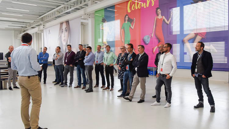 swissQprint continues to keep tight wraps on information about its first roll to roll printer, Karibu.