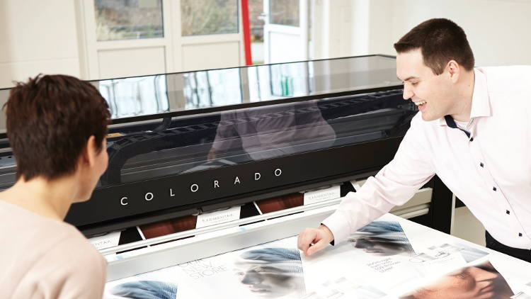 Farben Frikell customers boost productivity with Oce Colorado 1640.
