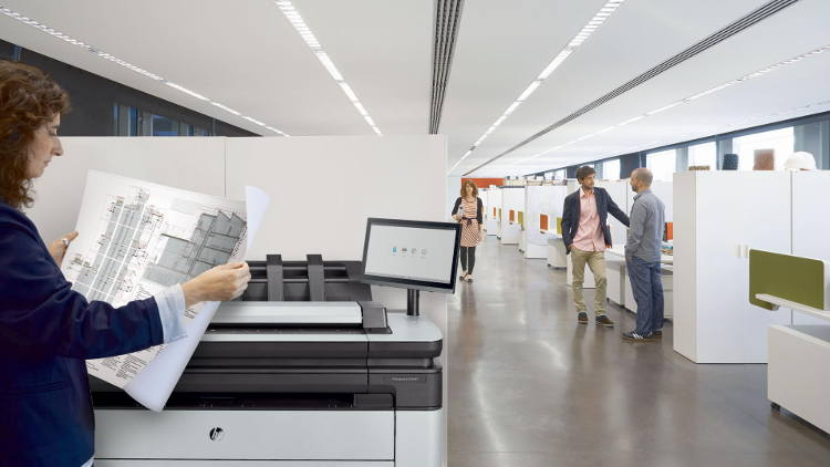 HP reinvents print experiences for architecture, engineering and construction pros.