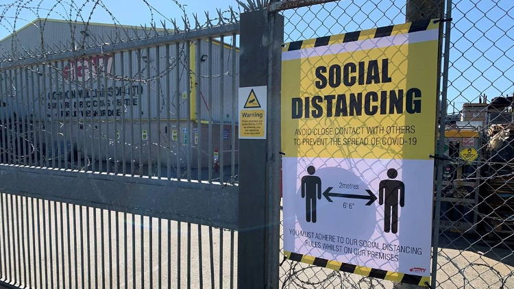 Signworks relies on HP Latex to turn around social distancing signs fast.