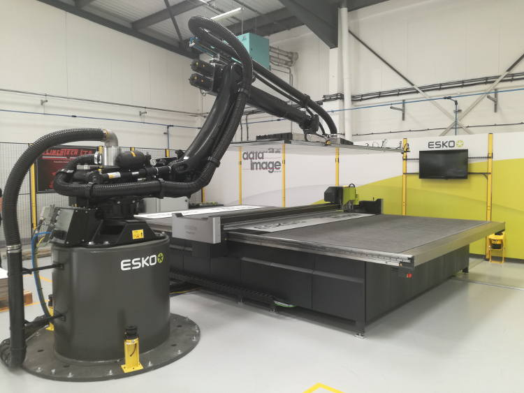 ESK pr1210rf US Open House at Data Image Robotic Material Handler in action with Kongsberg C