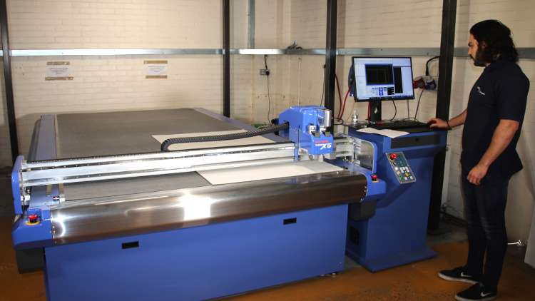 DYSS has a high-speed cutting tool and creasing tool that deliver a complete solution for corrugated sheet companies.