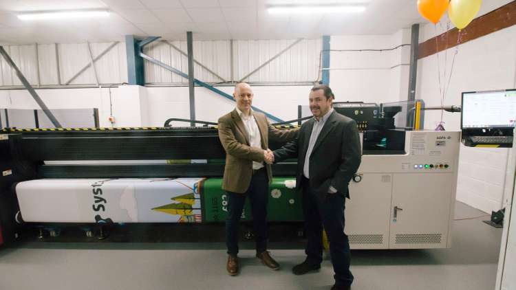 Left: Noel Reeves, Managing Director at Rocket Print Promotions Right: Loic Delor, Managing Director at Josero Printer Solutions.
