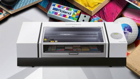 Roland DG Launches VersaUV LEF2-300 Benchtop UV Flatbed Printer for Advanced Versatile and Productive Customisation.