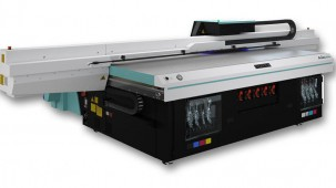 CR Print adapts & grows business during pandemic with Fujifilm Acuity line of printers.
