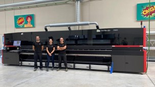 What does a $1M printer look like? Parrotprint.com acquires Europe's first EFI VUTEk Q5R 5M
