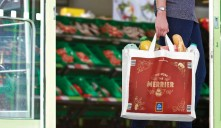 State-of the-art Digital Flexo technology delivers superior print quality for Aldi's festive shopping bag.